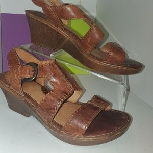 BORN STRAPPY MINI WEDGE HEELED ANTIQUE LEATHER 9